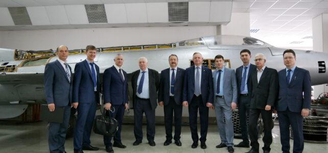 07.04.2021 Председатель Правления АЦИМ посетил выставку Российского промышленного форума и встретился с руководством УГАТУ для обсуждения сотрудничества с АЦИМ